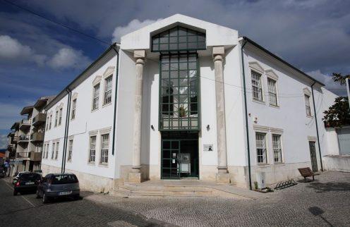 """""""Letras com Música"""" na Biblioteca Municipal da Lousã"""