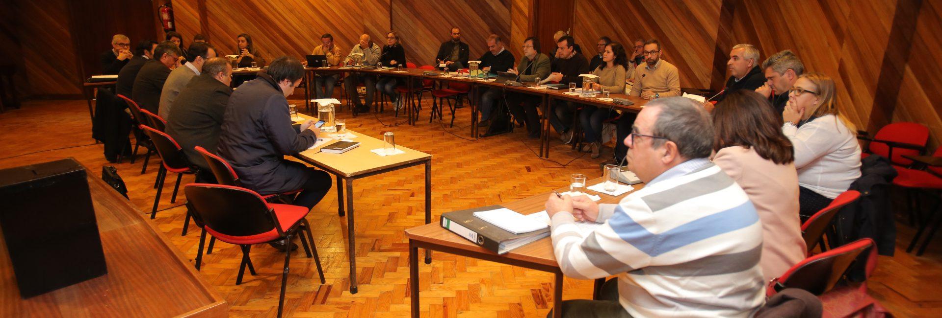 Assembleia Municipal reúne amanhã nas Levegadas