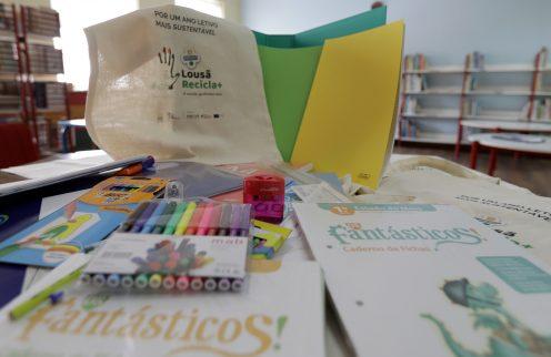 Autarquia oferece cadernos de atividades a alunos do concelho.